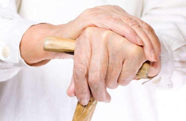 Артрозу подвержены пожилые люди