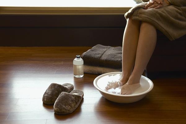 Ванночки для ног при деформации хаглунда