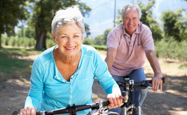 При гонартрозе 1 степени возможно полное сохранение физической активности