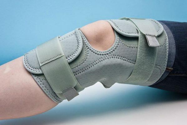 Бесшарнирный ортез для коленного сустава