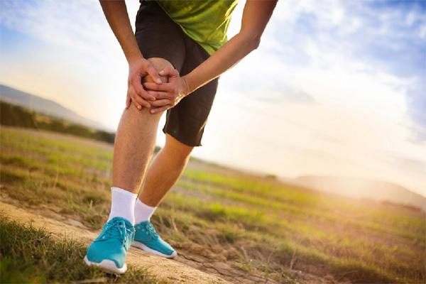 Боль в колене при растяжении