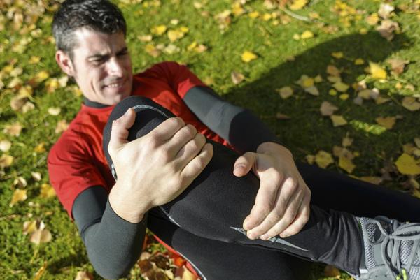 Разрыв связок коленного сустава у спортсмена