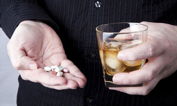 Алкоголь и НПВС нельзя принимать одновременно