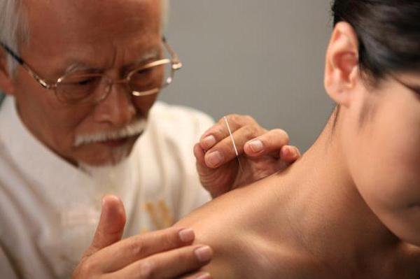 Лечение остеохондроза иглоукалыванием