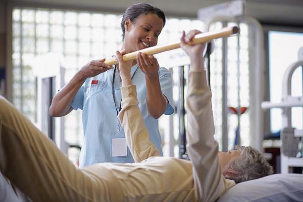 Упражнение с палкой после перелома позвоночника