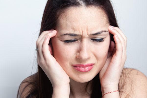 Мигрень при переломе шеи