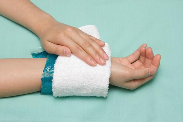 Изображение - Артроз 1 степени лучезапястного сустава лечение artroz-luchezapyastnogo-sustava-simptomy