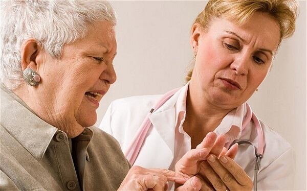 Основные симптомы инфекционного артрита