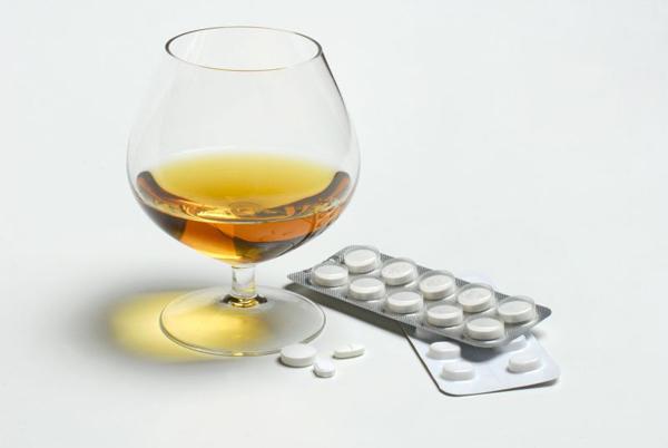 Сирдалуд нельзя принимать с алкоголем